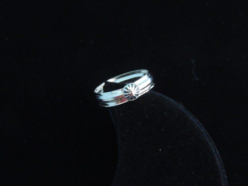 Plain Starburst Ring Top View Resized