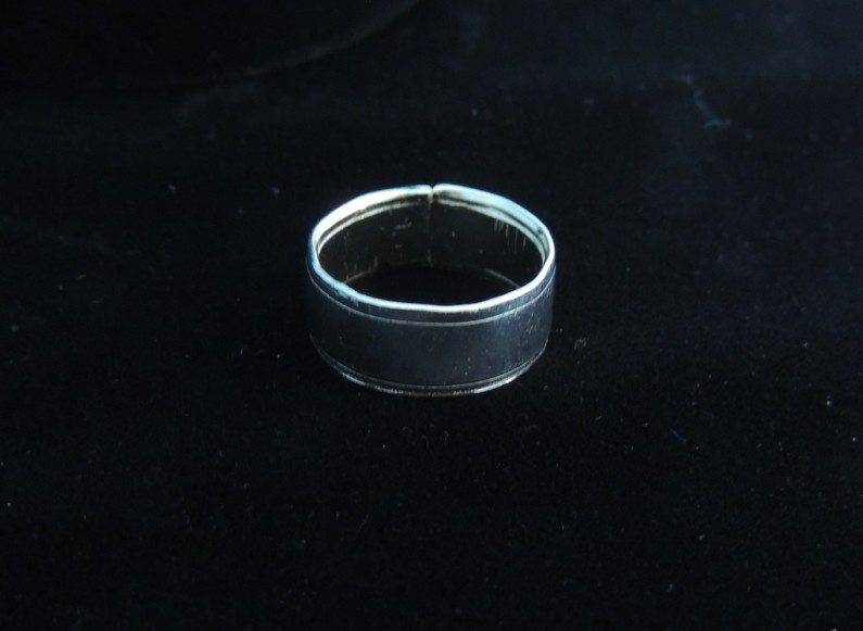 Rivers Ring Side View Resized