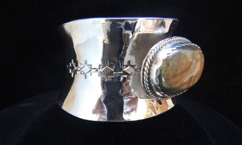 The Storm Light Anticlastic Cuff Side 2
